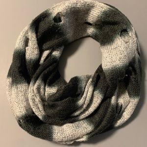 Steve Madden scarf